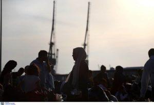 Πειραιάς: Στο λιμάνι δύο πλοία με 179 πρόσφυγες