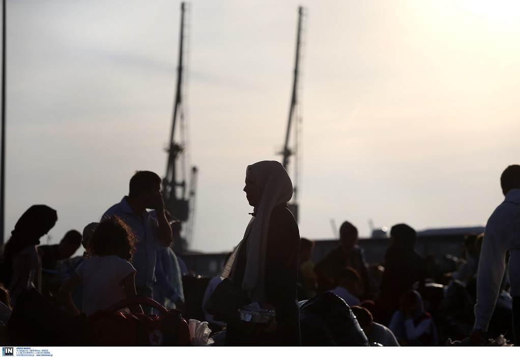 Στο λιμάνι του Πειραιά σήμερα 61 πρόσφυγες