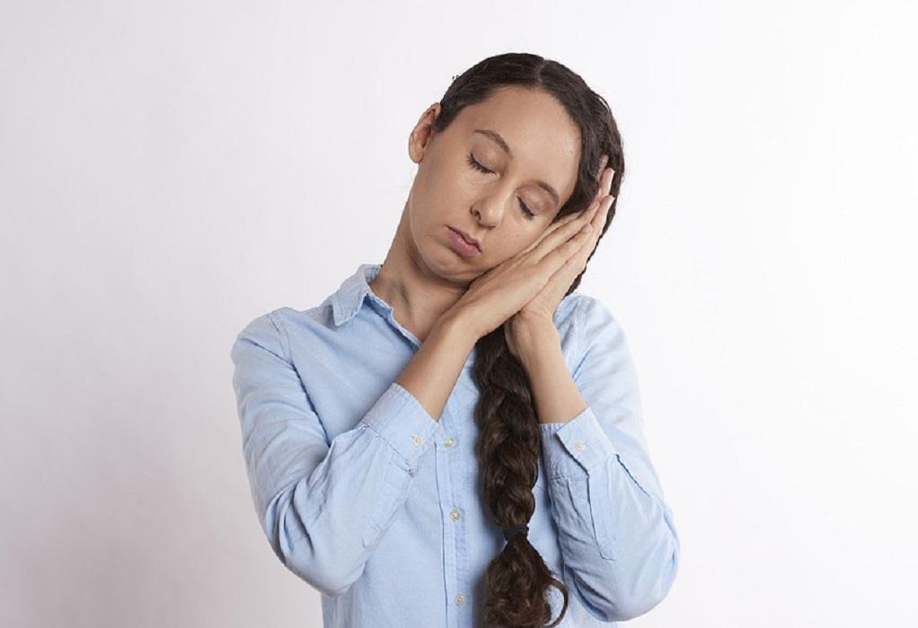 Υπνηλία: Να γιατί κλείνουν τα μάτια μας στη διάρκεια της ημέρας