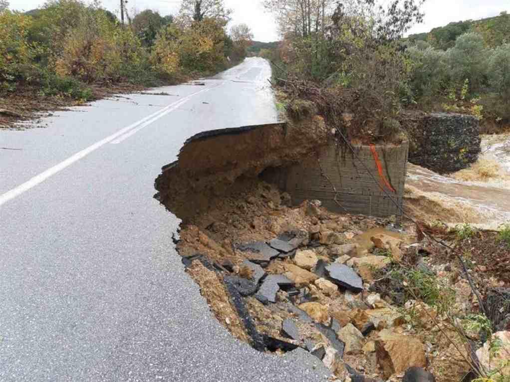 Κακοκαιρία – Μεγάλες καταστροφές σε δρόμους της Χαλκιδικής (ΦΩΤΟ)