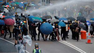 Χονγκ Κονγκ: Πρωτοχρονιά με διαδήλωση και επεισόδια
