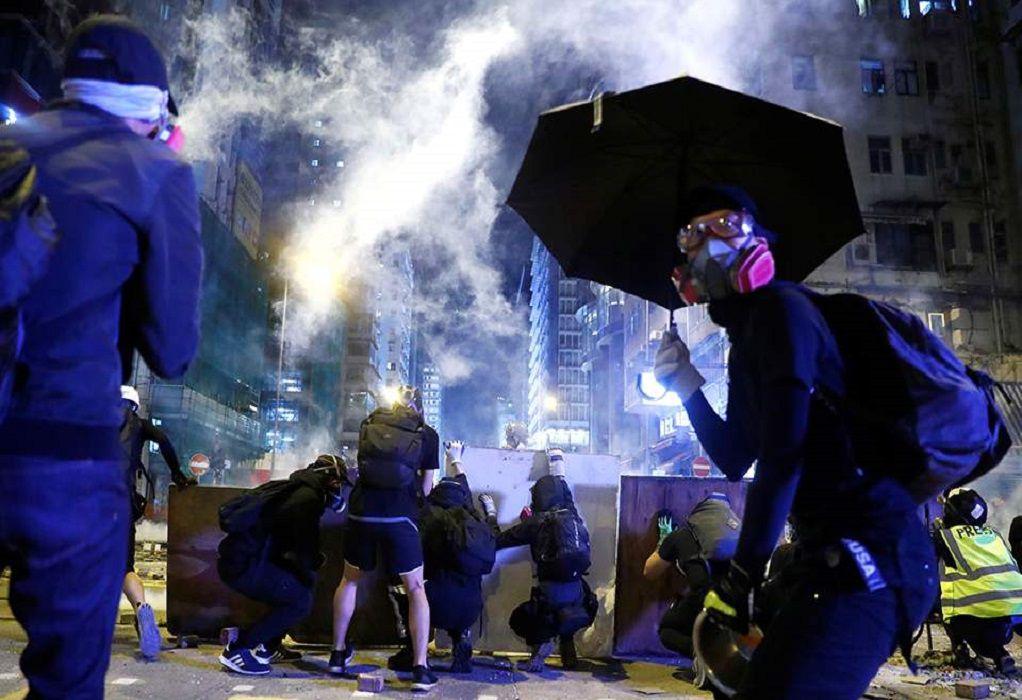 Ουάσινγκτον και Λονδίνο ζητούν αποκλιμάκωση της βίας στο Χονγκ Κονγκ