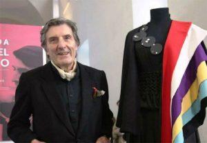 Πέθανε ο σχεδιαστής μόδας Εμανουέλ Ουνγκαρό