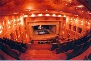 Θεατρικές παραστάσεις για 11.000 μαθητές