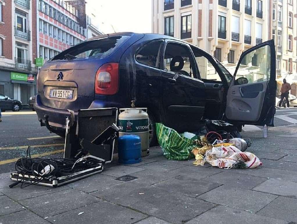 Γαλλία: Αυτοκίνητο με φιάλες αερίου