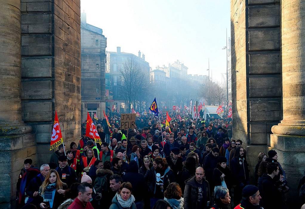Γαλλία: Tα συνδικάτα σκληραίνουν τον αγώνα τους