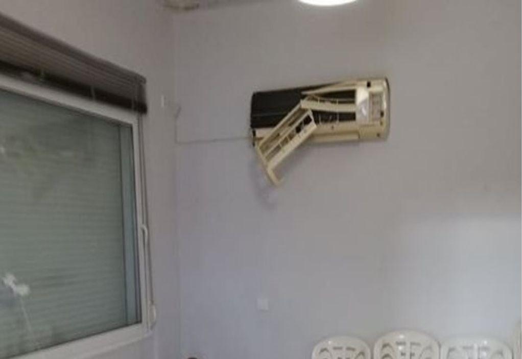 Επίθεση αγνώστων στα γραφεία της ΝΔ (ΦΩΤΟ)