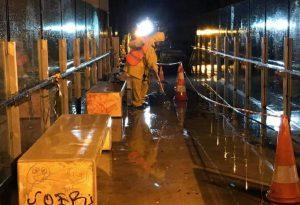 Αττική: Καθαρισμό & αφαίρεση γκράφιτι σε πεζογέφυρα