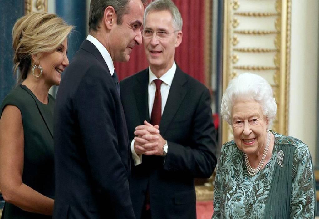 Όταν Πρωθυπουργός και Μαρέβα μπήκαν στο Μπάκινγχαμ