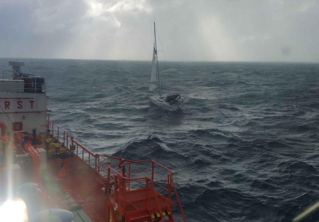 Σαρωνικός: Διασώθηκαν οι 4 επιβάτες του σκάφους