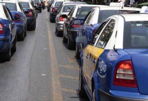 Νέα ΚΥΑ για ΙΧ και Ταξί – Πόσοι επιβάτες επιτρέπονται