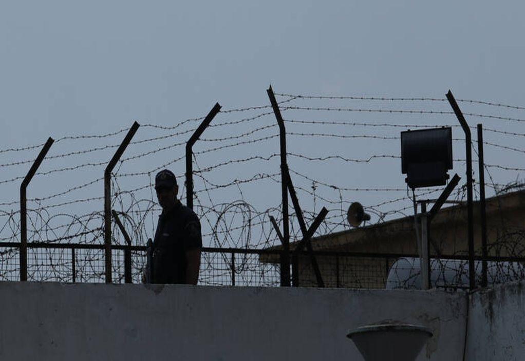 Ντοκουμέντο: Απόδραση 16χρονου από τις φυλακές Κορίνθου
