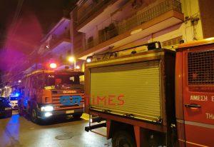 Στις φλόγες δύο οχήματα στη Θεσσαλονίκη