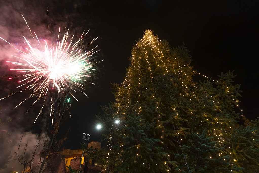Φωταγώγηση χριστουγεννιάτικου δέντρου στον Αγ. Παύλο