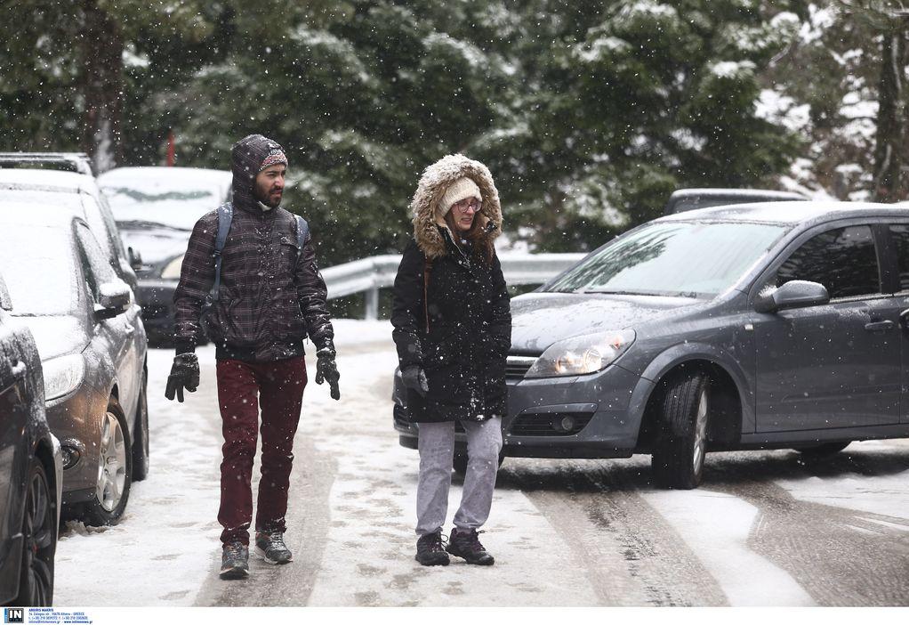 """""""Ζηνοβία"""": Χιόνισε στην Πάρνηθα – Έρχεται """"Πολικό"""" ψύχος (ΦΩΤΟ+VIDEO)"""
