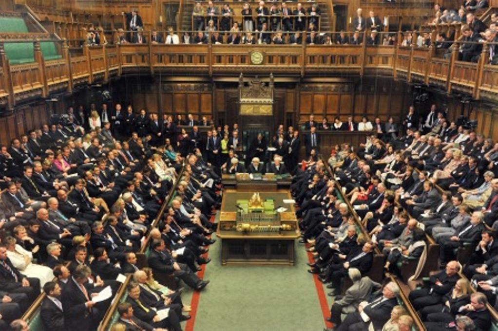 Βρετανία: Βουλευτής των Τόρις, κατηγορείται για βιασμό