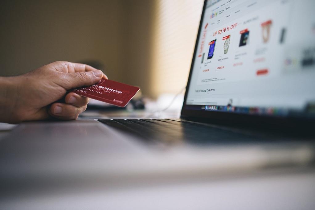 Ηλεκτρονικό Εμπόριο: Υπερδιπλάσια αύξηση αγορών ελέω κορωνοϊού