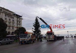 Ξεστολίζεται η Θεσσαλονίκη – Χριστουγεννιάτικος προορισμός το 2020