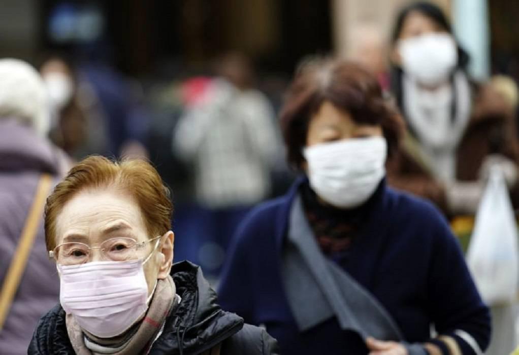 Έρευνα: Οι μάσκες προστατεύουν, αλλά δεν αποκλείουν τη μετάδοση