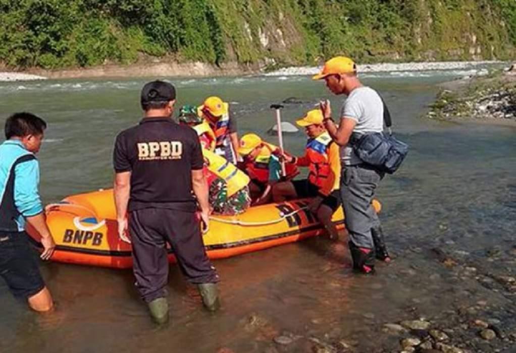 Ινδονησία: Κατέρρευσε πεζογέφυρα- 9 νεκροί