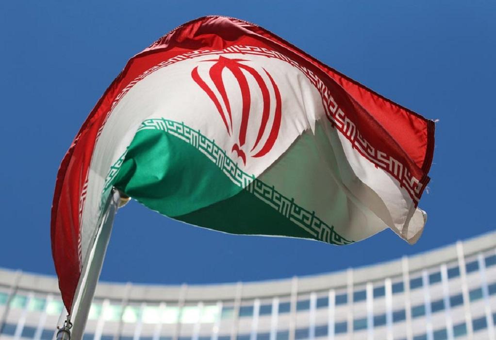 Ρίψεις πυραύλων σε στόχους στη θάλασσα, στο πλαίσιο στρατιωτικών γυμνασίων του Ιράν