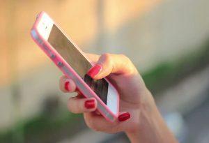 Από τις πιο ακριβές αγορές κινητής τηλεφωνίας η Ελλάδα