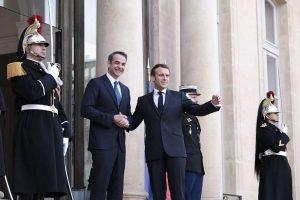 """Κυβερνητικές πηγές: Η Ελλάδα συνομιλεί με τους """"μεγάλους"""" παίκτες"""