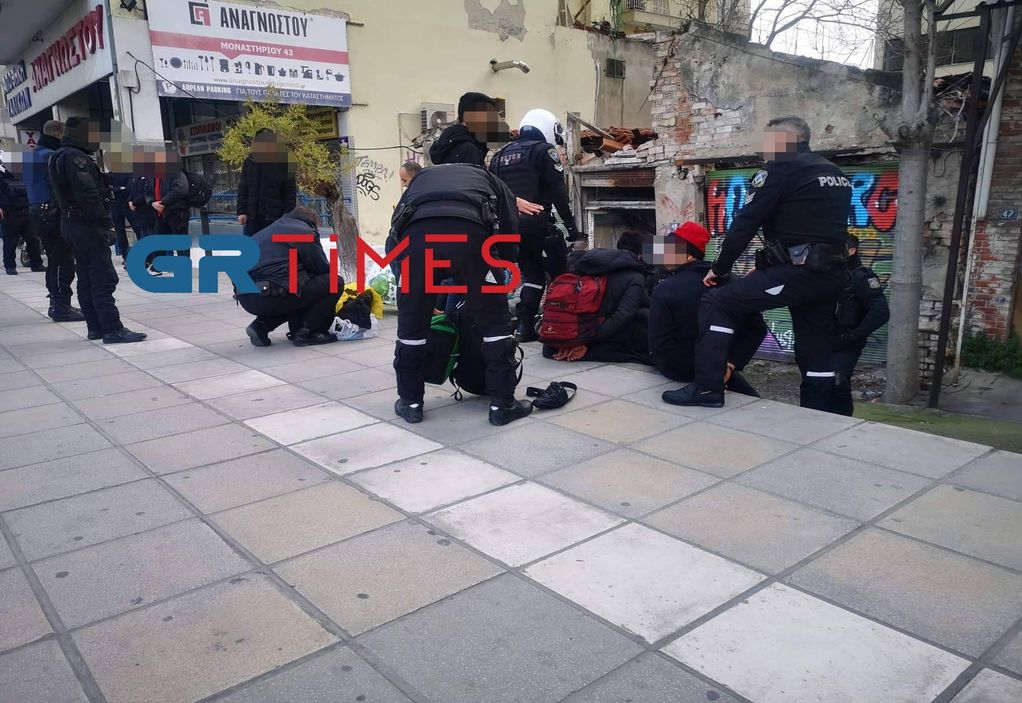 Θεσσαλονίκη: Με ψεύτικο όπλο η ληστεία στο μίνι μάρκετ (VIDEO)
