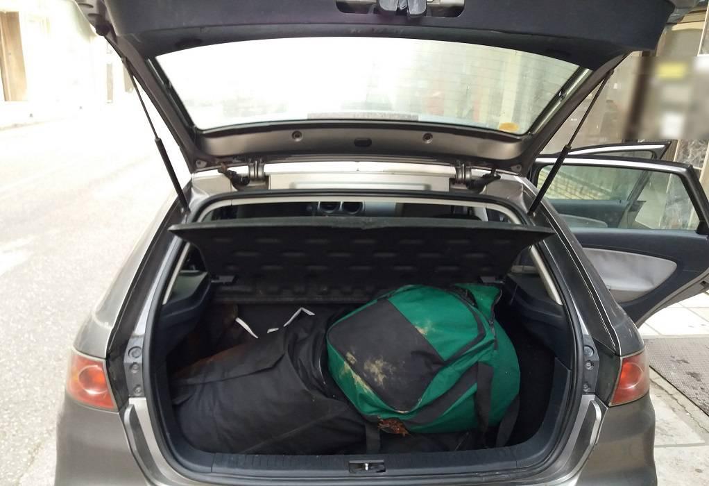 Καστοριά: Εγκατέλειψαν ΙΧ με 43 κιλά κάνναβης (ΦΩΤΟ)