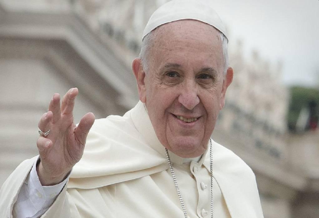 Ιταλία-κορωνοϊός: O πάπας Φραγκίσκος δίνει δύναμη στους πιστούς