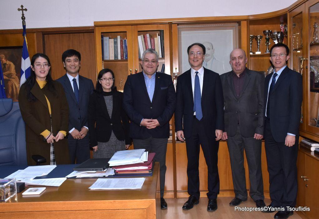 ΑΠΘ: Με αντιπροσωπεία του υπ. Παιδείας της Κίνας συναντήθηκε ο Πρύτανης