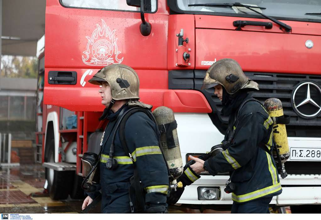 Φωτιά σε ΙΧ σε κόμβο της Εγνατίας Οδού