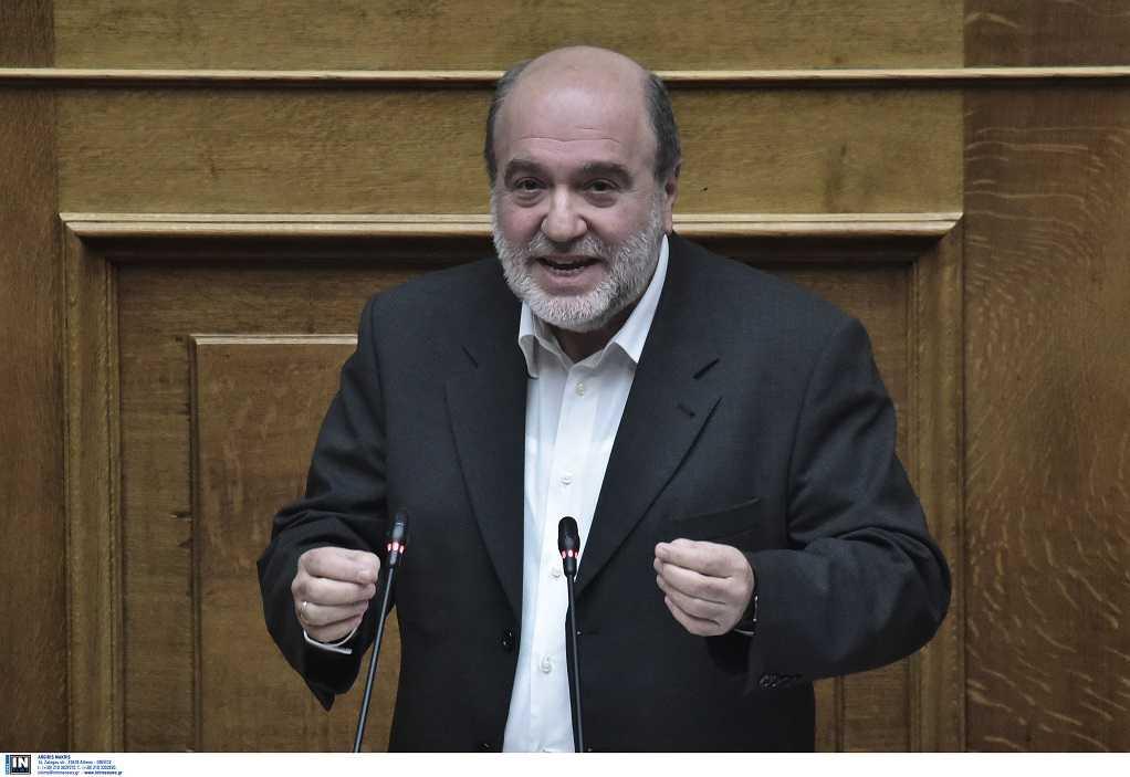 Βουλή: Λιποθύμησε βουλευτής του ΣΥΡΙΖΑ