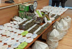 Πειραιάς: Έκρυβαν κάνναβη μέσα σε χουρμάδες