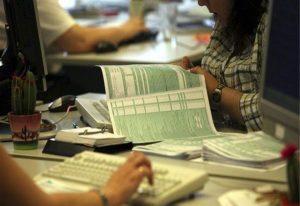 Αντίστροφη μέτρηση για υποβολή των φορολογικών δηλώσεων