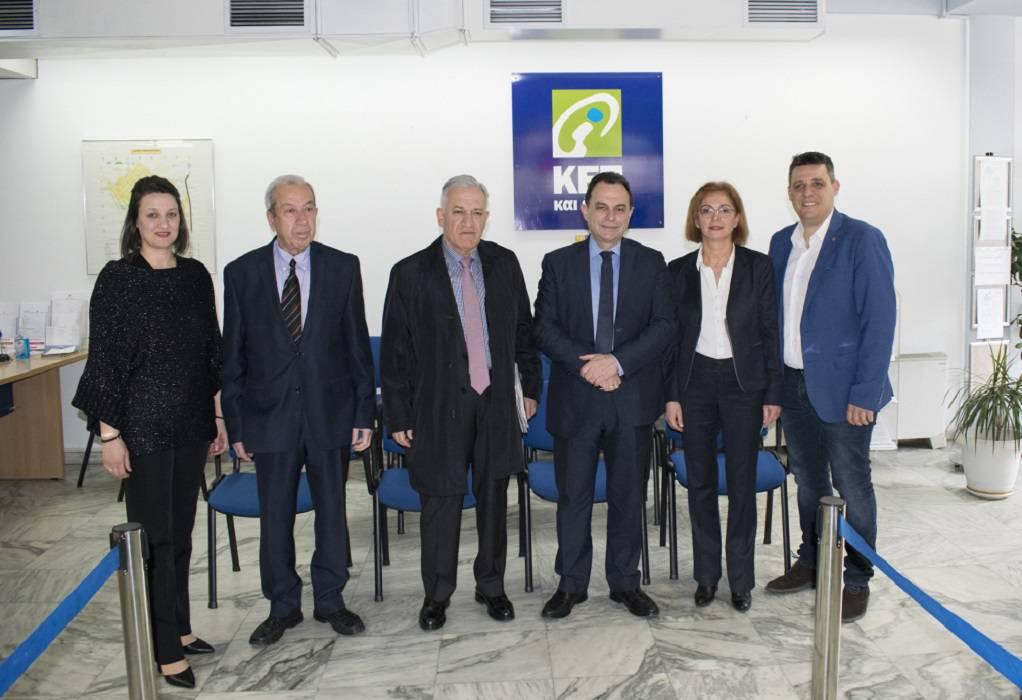 Στο ΚΕΠ Αμπελοκήπων ο υφυπουργός Γ. Γεωργαντάς