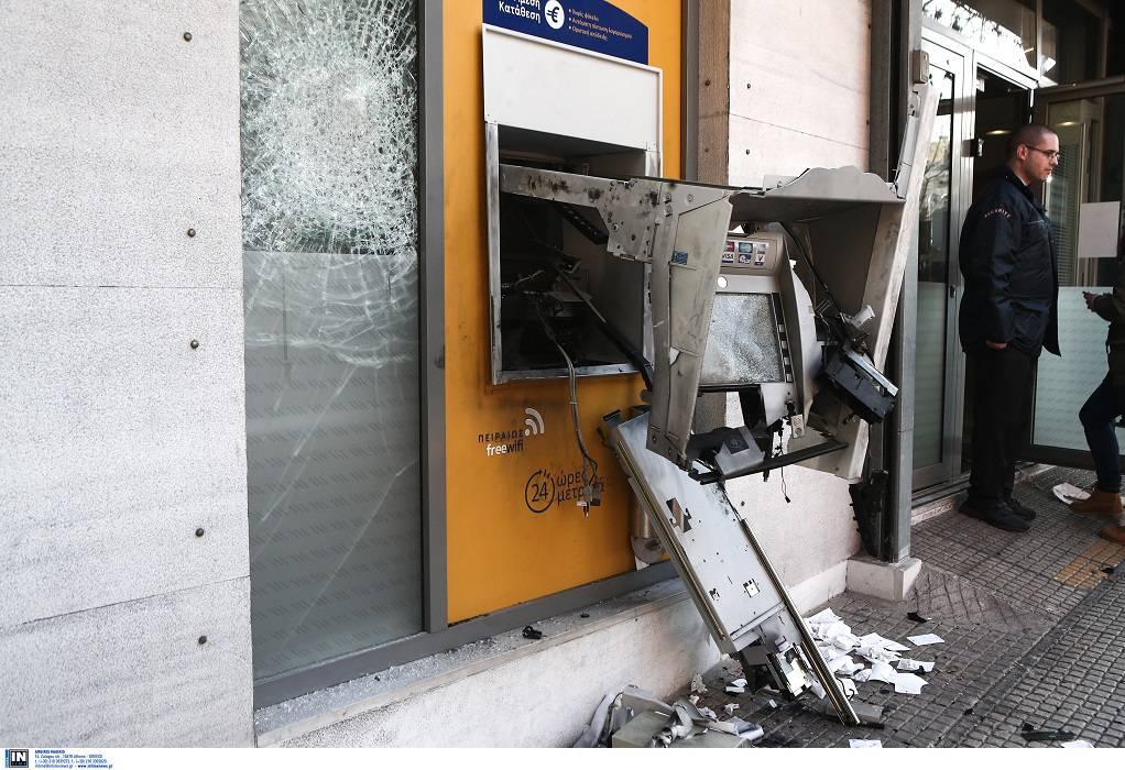 Εμπρησμοί σε ΑΤΜ τραπεζών σε Παγκράτι και Ελευσίνα