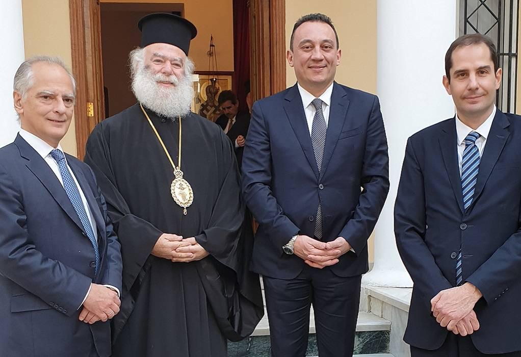 Με τον πατριάρχη Θεόδωρο συναντήθηκε ο υφ. Εξωτερικών