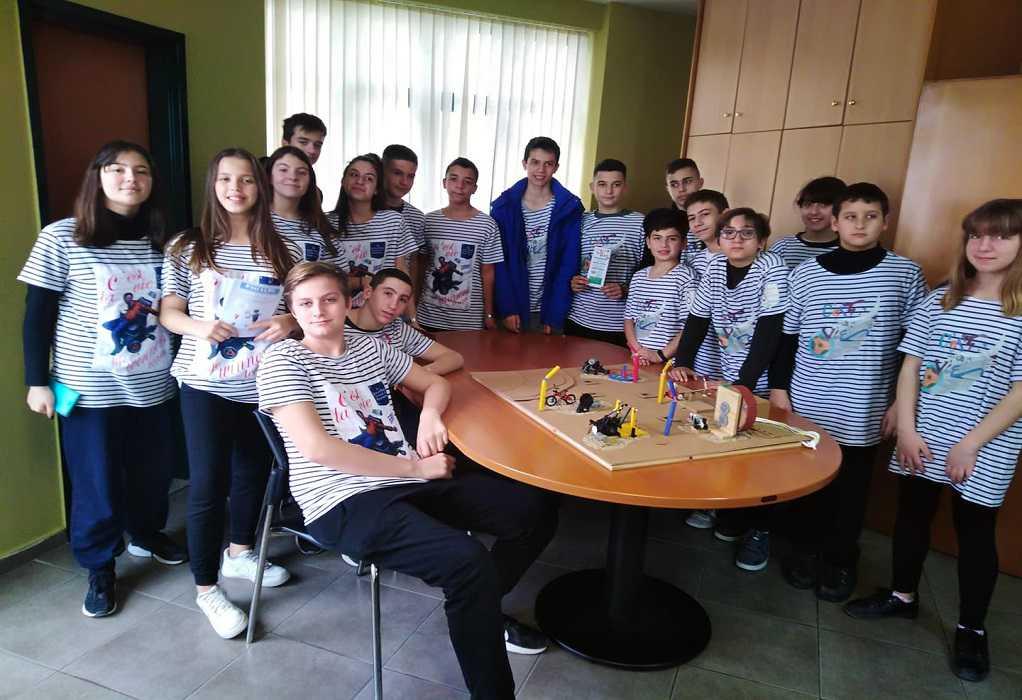 Το 8ο Γυμνάσιο Καλαμαριάς συμμετέχει στον Αγώνα Ρομποτικής