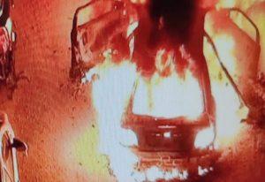 Φωτιά σε ΙΧ τα ξημερώματα στην Περαία Θεσσαλονίκης