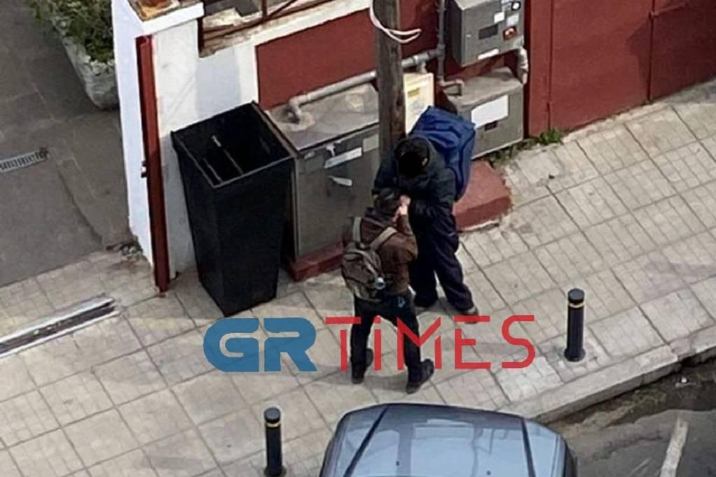 Θεσσαλονίκη: Θρασύτατος επιδειξίας παρενόχλησε γυναίκα (ΦΩΤΟ)