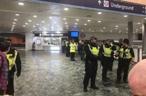 Εκκένωση σταθμού μετρό στο Λονδίνο – Αναφορά για επίθεση με μαχαίρι