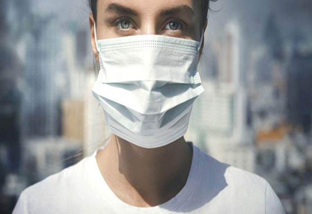 Ιταλία-Κορωνοϊός: Προστατευτικές μάσκες από λωρίδες υφάσματος για γραβάτες