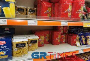 Κορωνοϊός: «Χρυσές» δουλειές στο λιανεμπόριο τροφίμων