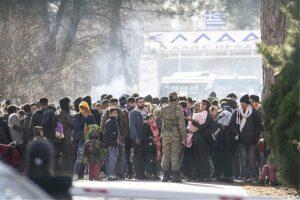 Η Τουρκία απομακρύνει μετανάστες από τα σύνορα με την Ελλάδα