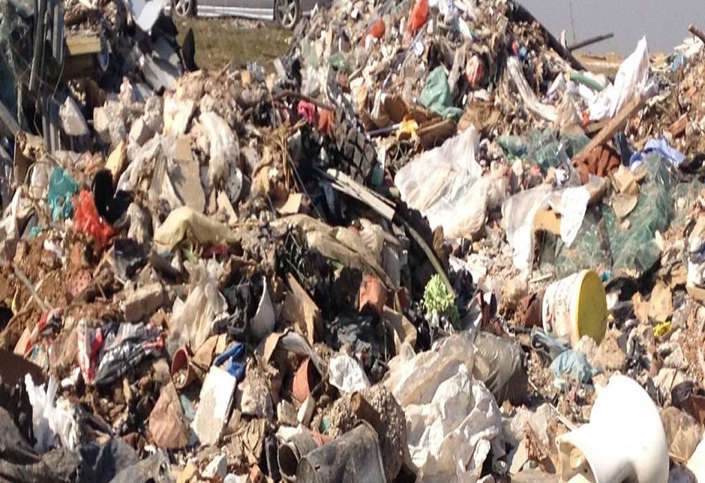 ΥΠΕΝ: Κλείνουν φέτος 15-17 ανεξέλεγκτες χωματερές