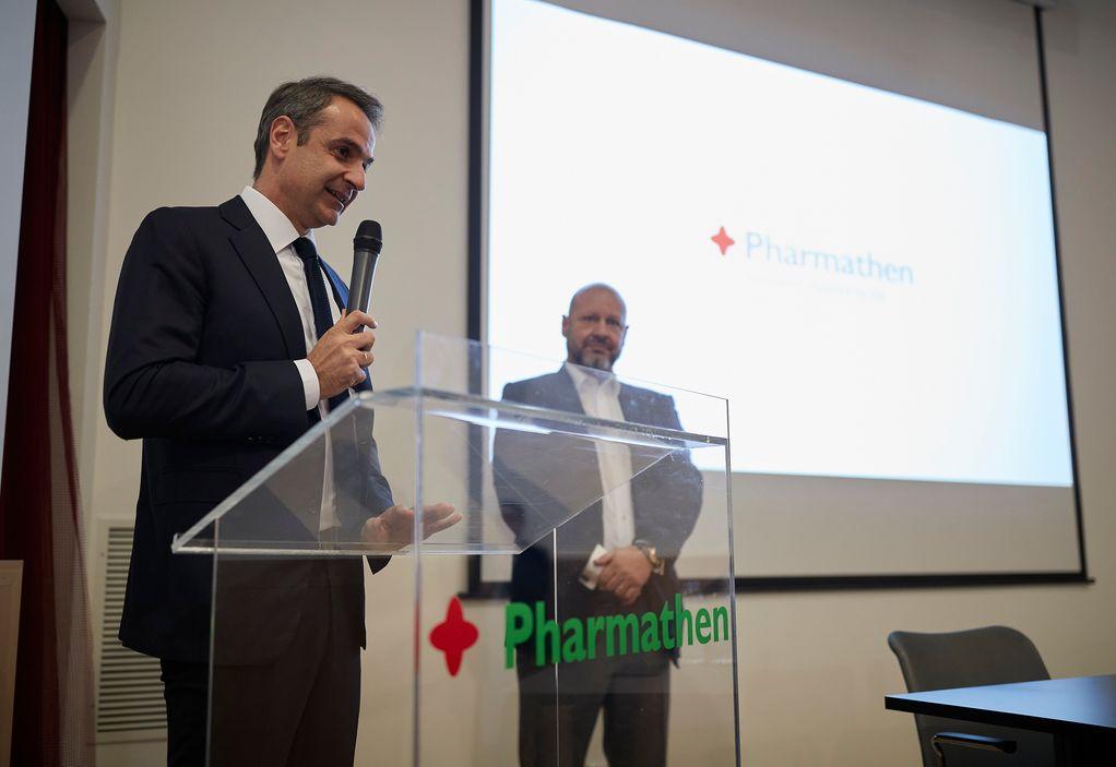 Επίσκεψη Μητσοτάκη στο εργοστάσιο της Pharmathen (ΦΩΤΟ)