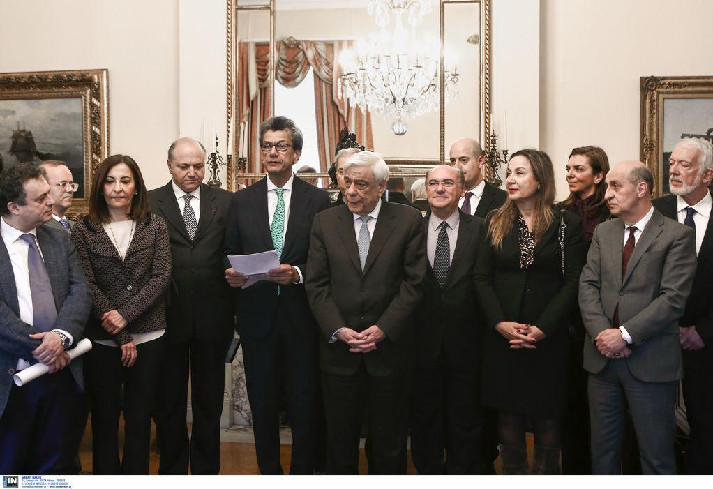 Η Ευρωπαϊκή Κίνηση Ελλάδας βράβευσε τον Παυλόπουλο