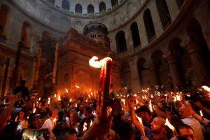 Που μπορείτε να δείτε την Τελετή Αφής του Αγίου Φωτός