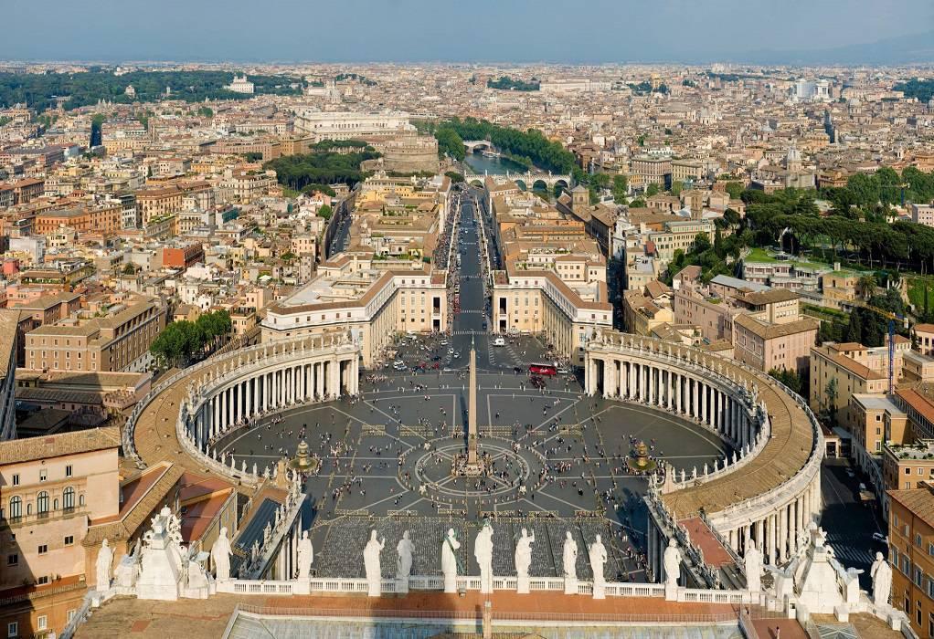 Βατικανό: Ζητά αλλαγή νομοσχεδίου κατά της ομοφοβίας και τρανσοφοβίας